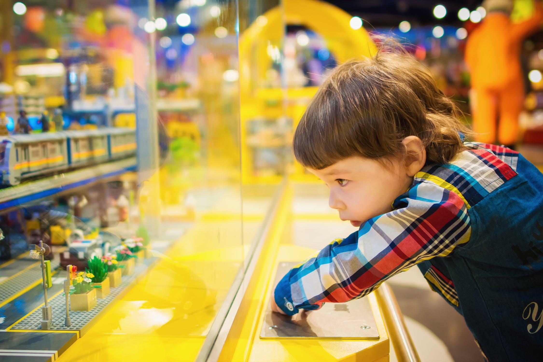 Projektowanie zabawek edukacyjnych - OMI Media House